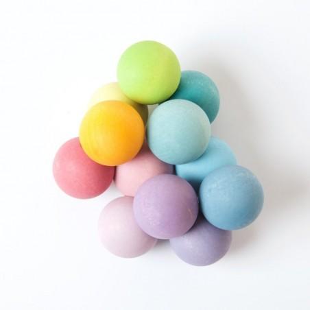 Hochet grappe de perles pastel